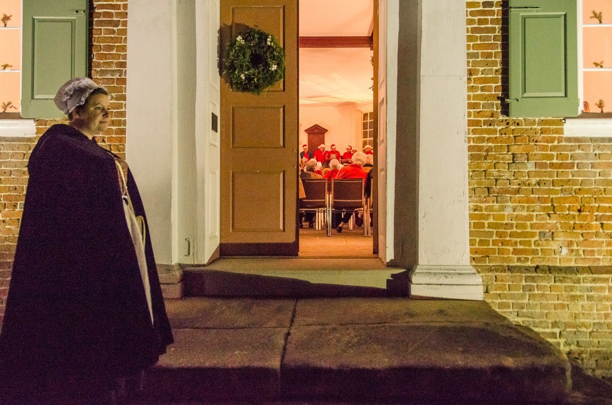 Christmas carol singing at the Colonial Courthouse