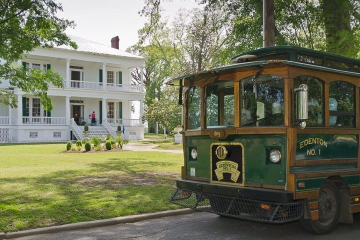 Edenton Trolley passes Pembroke Hall, Edenton, North Carolina (Photo by Kip Shaw)